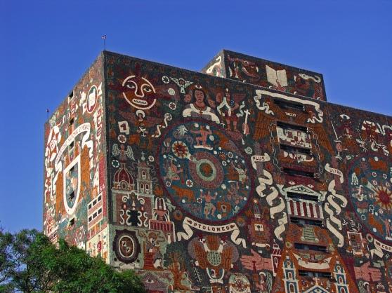 Biblioteca de la UNAM. Fuente: Flickr de sguardojos